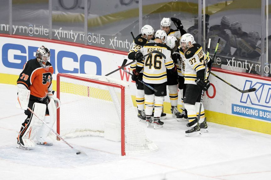 The Flyers fall to the Bruins 4-3 inOT